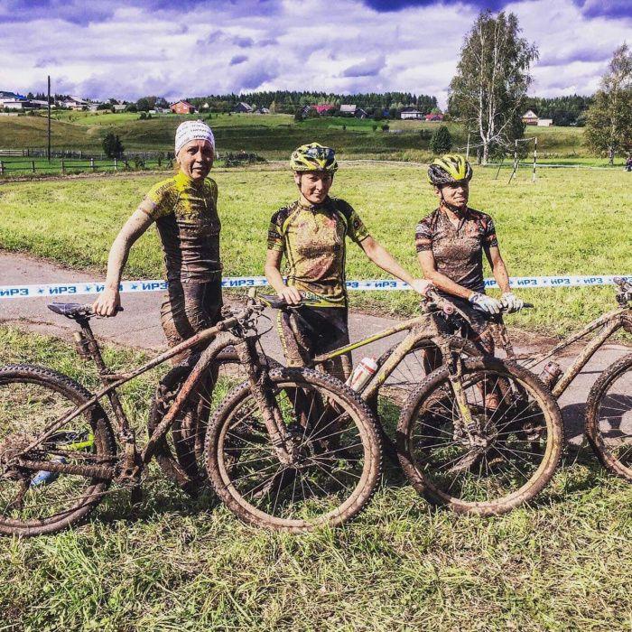 По уши в грязи. Копейская велосипедистка стала чемпионкой России